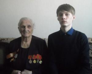 Исакова Клавдия Константиновна и волонтер Волненко Алексей (1)